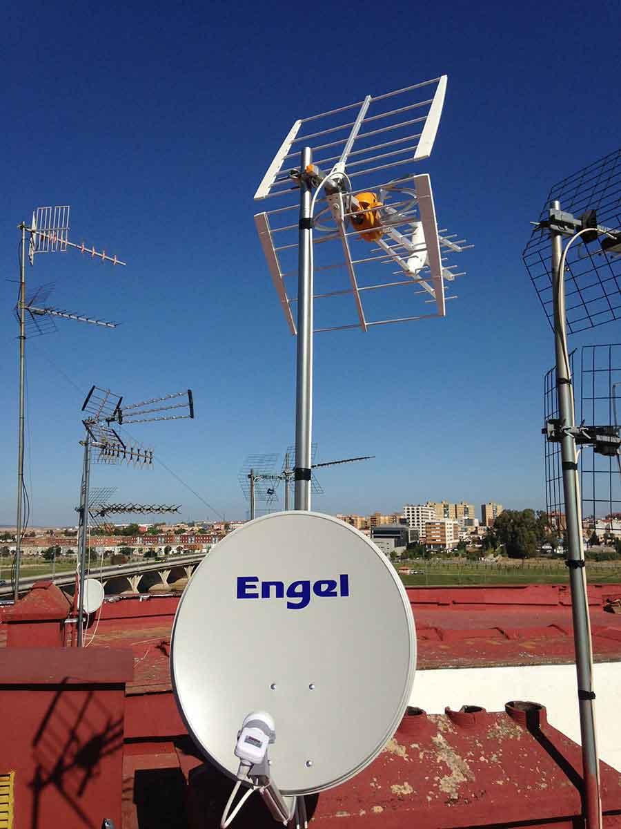 Instalacion-antena-badajoz-Electronica-Quintana