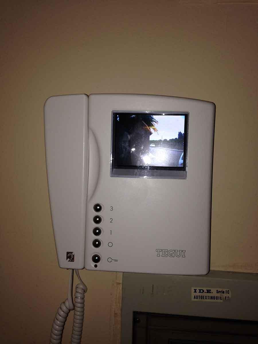 Instalaci n video portero tegui sfera new electr nica for Instalacion portero automatico tegui